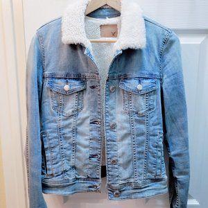 ae: sherpa trucker denim jacket